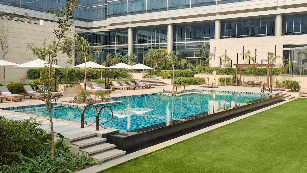 Andaz-Delhi-P080-Pool.